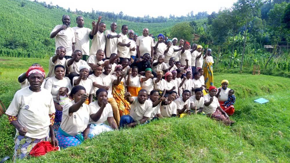Farmers in Rwanda graduate from FFS
